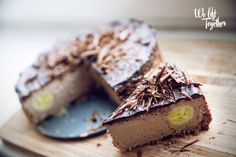ZDRAVÝ Tvarohovo-čokoládový cheesecake   We Lift Together Healthy Cheesecake, Pizza, Cakes, Drinks, Fitness, Desserts, Food, Drinking, Tailgate Desserts