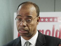 CONVICTED SEX OFFENDER TO ENTER RACE FOR JESSE JACKSON JR.'S SEAT. After Congressman Mel Reynolds served time for having sex with a 16-year-old female campaign worker, he was hit with further charges of improperly using campaign funds. President Clinton later commuted Reynolds' sentence to time served and he was once again a free man.  ...what a credit to the Democratic party! Political Articles, Political News, Cheaters And Liars, Praying For Our Country, Important News, Big Government, Medical Help, World View, Our President
