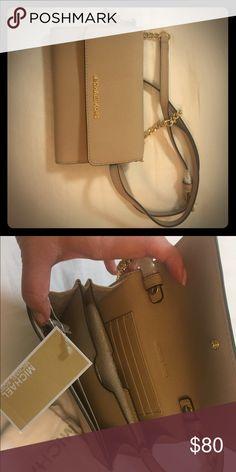 Michael Kors beige purse Classy small beige purse by Michael Kors Michael Kors Bags Mini Bags