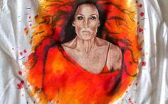 Ognista Jean po przeistoczeniu w Phoenixa! Na luźnej koszulce (z metki rozmiar L, ale traktuję ją jako oversize), o lekko prześwitującej dzianinie (120 g), to super pomysł na lato!  #phoenix #wolverine #xman
