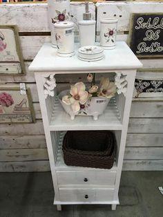 muebles en madera para el baño en www.virginia-esber.es