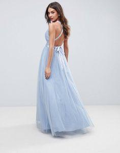 c77e51bd6ef1 15 bästa bilderna på Brudklänningar | Low cut dresses, Midi dresses ...