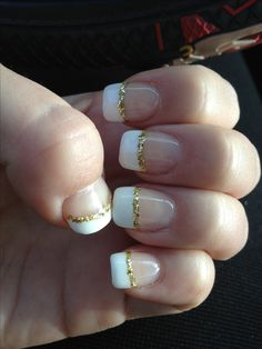 Gold and white nails ⚡