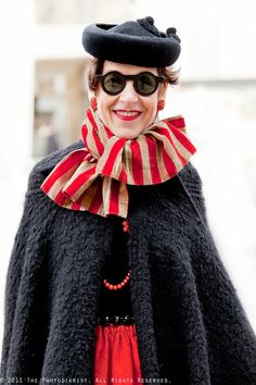 Tziporah Salamon Love the colours and the stripes. Mature Fashion, Advanced Style, Ageless Beauty, Facon, Old Women, The Ordinary, Fashion Forward, Personal Style, Casual Outfits