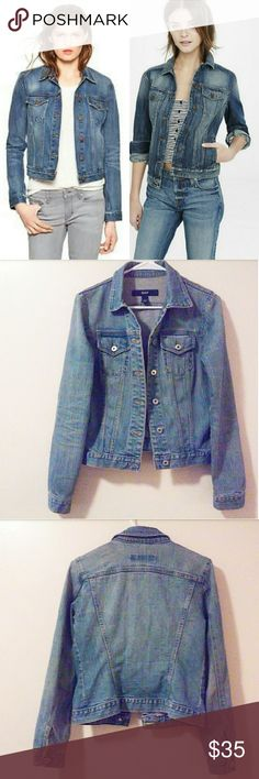 🔵Vintage 1969 Gap Denim Jean jacket🔵 ✳Vintage denim trucker jacket ✳1969 Gap Jeans brand ✳Point collar ✳6 button front closure ✳Long sleeves with button cuffs ✳2 button flap breast pockets ✳Medium blue wash with light distress ✳Structured front and back ✳Size XS/TP (Tall Petite) ✳In excellent, like new condition ✳Perfect paired with white tee and skinnies with your favorite boots!  ☑OFFERS WELCOME☑ ☑BUNDLE and SAVE☑  Stock photo is similar in style but not exact as listing. For styling…