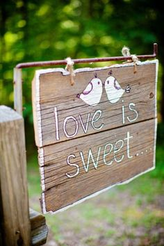 Love is sweet candy bar Wedding Bells, Our Wedding, Dream Wedding, Wedding Things, All You Need Is Love, Love Is Sweet, Bar Original, Frases Instagram, Wedding Signage