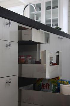 De mooiste woonkeukens van MiCasa New Kitchen, Home Kitchens, My House, Loft, Furniture, Home Decor, Little Cottages, Kitchens, Color