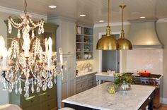 Super fab kitchen WITH sources!!
