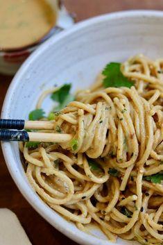 Best Peanut Noodles Ever! Cold Peanut Noodles, Peanut Sauce Noodles, Rice Noodles, Cold Noodles, Sesame Peanut Noodles, Asian Noodles, Vegan Asian Noodle Recipe, Asian Noodle Recipes, Thai Recipes