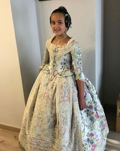 Fantasy Dress, Doll Clothes, Sari, Victorian, Costumes, Traditional, Formal Dresses, Regional, Fashion