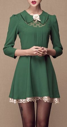 Green Lapel Long Sleeve Lace Applique Dress Ladies, this is a beautiful dress. However, by no means should we not be able to have cute dresses like these on big women, who are beautiful! Moda Fashion, Retro Fashion, Vintage Fashion, Womens Fashion, Kawaii, Looks Chic, Applique Dress, Mode Vintage, Mode Inspiration