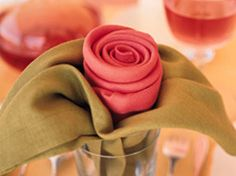 Servilletas en forma de rosa en Manualidades para decorar y detalles de decoración del hogar, fiestas y eventos