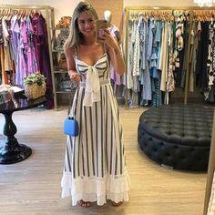 Porque amamos um dress poderoso e cheio de estilo!!! Minas tem e sua loja merece 👉👉👉 ASSESSORIA EM COMPRAS PARA LOJISTA Cute Dresses, Beautiful Dresses, Casual Dresses, Fashion Dresses, Summer Dresses, Party Wear Long Gowns, Girl Outfits, Cute Outfits, Cute Maternity Outfits