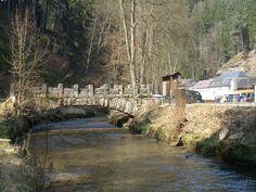 Alte Steinbogenbrücke am Malerweg