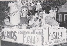"*Postcard-""Christmas Float""  -1960's- Hess's Dept. Store/Allentown, Pa. (A15-10)"