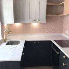 Blue and Grey Modern Shaker Kitchen with pink tiles and white worktops Pink And Grey Kitchen, Grey Kitchen Tiles, Kitchen Splashback Tiles, Grey Kitchen Designs, Kitchen Benchtops, Beautiful Kitchen Designs, Kitchen Room Design, Modern Kitchen Design, Kitchen Interior