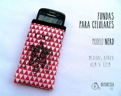 Fundas para celular Nerd Color rojo, $40 en http://ofeliafeliz.com.ar