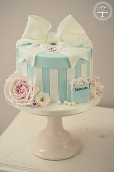 gift box cake