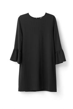 Ganni - Clark kjole.    Materiale: 97% polyester, 3% elastane.    Vaskes på 30 grader.