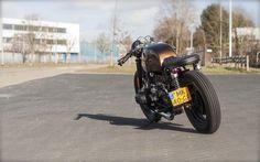 Anothe one. But cool! This R80 has been built by Arjan van den Boom. Together with Nick de Ruijter they run Ironwood Custom Motorcycles...
