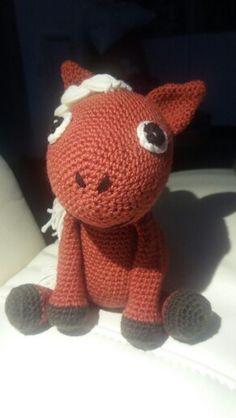 Pony gehäkelt Hello Kitty, Fictional Characters, Art, Amigurumi, Crochet Stuffed Animals, Art Background, Kunst, Performing Arts, Fantasy Characters