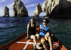 Sail with us around the Pacific and the Sea of Cortez, Enjoying every moment of the Rich Marine Life and the Wonderful Color of the Sea. In addition, knows about the Natural Arch where ends the Beautiful Peninsula of Baja California Sur. Duration: 40 minutes aprox.