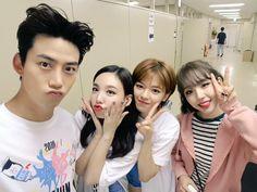 Ok taecyeon de con twice´s nayeon, jungyeon y sana K Pop, Baek A Yeon, Jyp Artists, Jyp Trainee, Full Body Gym Workout, Ok Taecyeon, Twice Jungyeon, Cute Couple Wallpaper, Kpop Memes