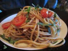 Santorini-style spaghetti with lemon, capers, and tomatoes - Vegansprout