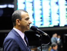 INFORMATIVO GERAL: Carlos Gomes repudia projeto de lei que autoriza m...