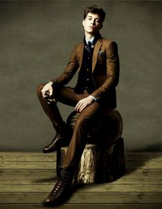 mix lighter brown suit with a super deep colored vest (also very slimming!)