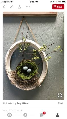 20 Frühlingskränze zu machen The Effective Pictures We Offer You About spring wreaths diy rustic A quality picture can tell you many things. Diy Spring Wreath, Spring Crafts, Bird Nest Craft, Bird Nests, Seasonal Decor, Holiday Decor, Creation Deco, Deco Floral, Oval Frame
