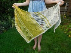 Ravelry: Hotel of Bees Shawl pattern by Christina Hadderingh Filet Crochet, Crochet Shawl, Knit Crochet, Crochet Scarves, Crochet Shrugs, Quick Crochet, Crochet Sweaters, Crochet Summer, Crochet Blankets
