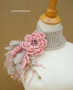 Find images and videos about crochet and cachecol on We Heart It - the app to get lost in what you love. Crochet Flower Scarf, Crochet Scarves, Crochet Clothes, Crochet Flowers, Crochet Cross, Irish Crochet, Knit Crochet, Crochet Hats, Fabric Jewelry