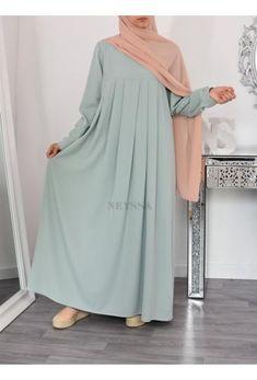 Stylish Hijab, Modest Fashion Hijab, Abaya Fashion, African Fashion Dresses, Muslim Evening Dresses, Muslim Dress, Mode Abaya, Mode Hijab, Muslim Women Fashion