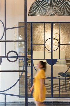 lagalá, a contemporary cultural hub by fmt studio in merida, mexico Glass Design, Door Design, Architecture Details, Interior Architecture, Door Dividers, Art Deco Bar, Partition Design, Restaurant Interior Design, Door Detail