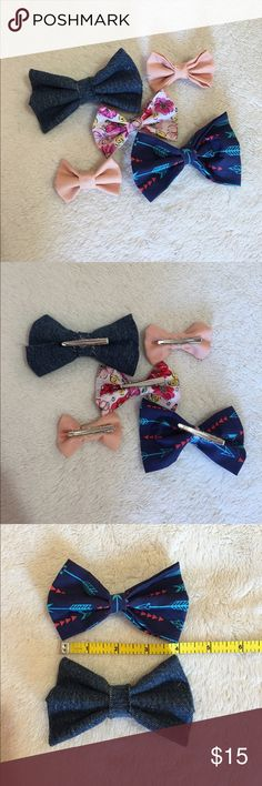 Adorable clip - in bows!  • Adorable clip in bows!                                                                                                                                                                      • 5 for $15 or 10 $20! Offers welcome!                                                                                                                                                                       • Custom orders additional $2 or more!                   • Happy to answer…