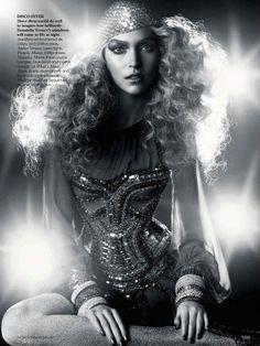 #houseofglam   Arizona Muse in Versace