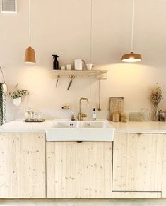 Home Decor Signs Modern Farmhouse Kitchens, Cool Kitchens, Home Decor Kitchen, Kitchen Interior, Kitchen Ideas, Diy Pinterest, Kitchen Cabinet Design, Kitchen Cupboards, Küchen Design