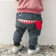 The 'Smiling Gronk' Harem Pant - Schnittmuster Babykleidung - Baby Clothes Baby Boy Shoes, Baby Pants, Toddler Shoes, Girls Pants, Toddler Girl, Infant Boys, Hip Hop Tanz, Baby Boy Fashion, Kids Fashion
