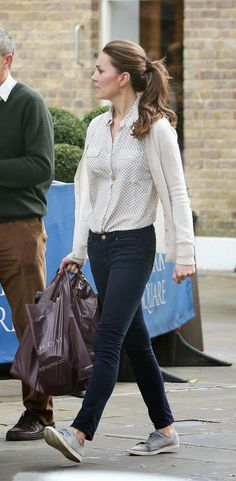 Kate Middleton shopping in London at Zara Home, 25.10.13