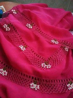 This Pin was discovered by Ozl Knitting Socks, Free Knitting, Knitting Patterns, Cute Crochet, Crochet Lace, Saree Tassels, Fabric Ornaments, Herringbone Stitch, Dress Indian Style