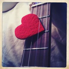 heart-shaped uke pick