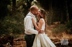 The magic of a #kiss #naturalweddings #wedding #weddingdress #love #essence #emotions #igers #bestoftheday #photooftheday @lovemydress @rfwppi @zankyou_bodas @bodafeurope