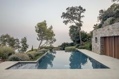 Organic Architecture, Light Architecture, Glass Picture Frames, Infinity Edge Pool, Courtyard House, Home Pictures, Staircase Design, Glass Door, Swimming Pools