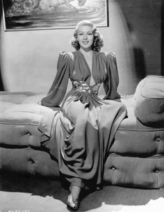 Lana Turner – Comet Over Hollywood Lana Turner, Old Hollywood Glamour, Golden Age Of Hollywood, Classic Hollywood, Hollywood Fashion, 1940s Fashion, Vintage Fashion, Vintage Style, Divas