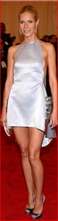 Gwyneth Paltrow. Гвинет Пэлтроу прибыла на красную дорожку 2012 Met Gala.