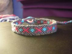 simple pattern design for friendship band