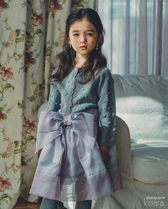 Cute Baby Girl Photos, Cute Baby Couple, Cute Little Baby Girl, Beautiful Little Girls, Cute Kids Photography, Teen Girl Photography, Cute Asian Babies, Cute Babies, Bad Dresses