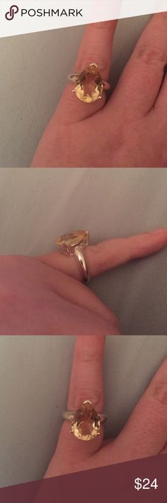 Sterling Silver Pear Shaped Citrine Ring size 6❤️ Gorgeous Sterling silver ring! Metal stamp .925, light colored pear shaped citrine size 6.little to no obvious wear/tarnish. Jewelry Rings