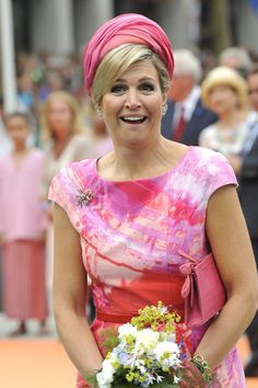 Queen Maxima - King Willem-Alexander Celebrates Goor's 750th Anniversary Queen Maxima, Netherlands, Royalty, Sari, Royal Style, Celebrities, Crowns, Famous People, Families